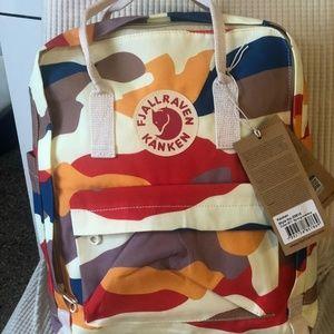 Fjallraven kanken backpack classic multicolor